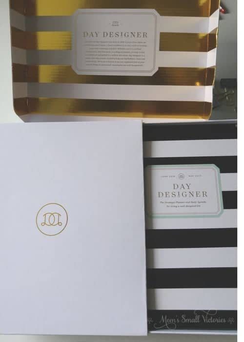 The packaging of the Day Designer Midyear Planner is stunning. The Day Designer was well protected and I plan to save the white outer case to use for those few times I travel with my planner.