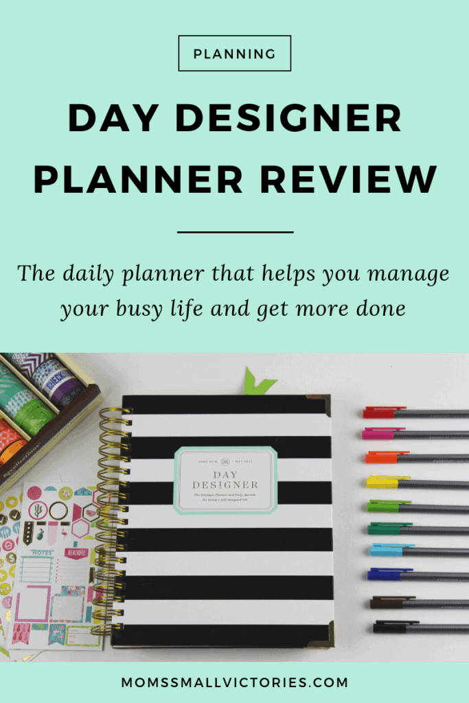 Day Designer Planner review. How the Day Designer can help you manage your busy life and get more done. Review includes pros and cons, Flagship vs. mini, what's different about the Blue Sky at Target version, the best pens to use and more #daydesigner #planners #plannerreview #momssmallvictories