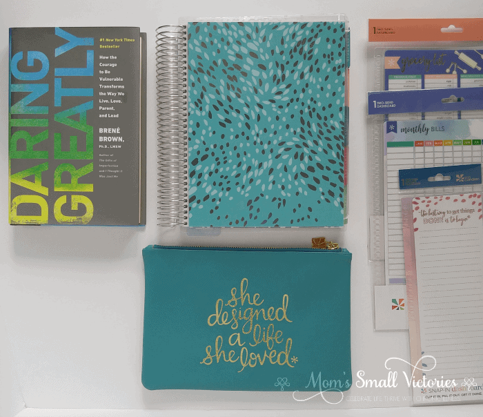 The Erin Condren comes in a wide variety of beautiful planners for moms, creatives, teachers and brides to be. The planners come with a variety of covers and layouts to choose from so you can build the planner you need . See how the Erin Condren stacks up against 10 other popular planners on the market in my ultimate planner comparison with a free downloadable comparison chart.