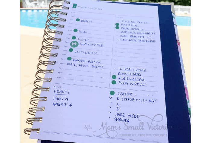 """The Daily Simplified Planner Review. I put colored dots and stickers in the """"my day"""" section of the daily Simplified Planner page to signify when a must do has to be done. This helps me see both how long I have to finish it and how to pace myself so that I have energy to cook dinner and clean up at the end of the day."""