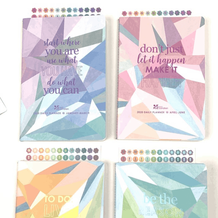 Erin Condren Daily Planner Review. The stickers that come with the Erin Condren daily planners are in the same metallic font as the cover. IT really makes the stickers and your pages pop!