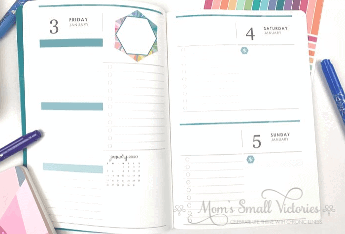 Erin Condren Daily Planner Review. Saturday and Sunday share one page for the weekend layout in the Erin Condren Daily Petite Planners.