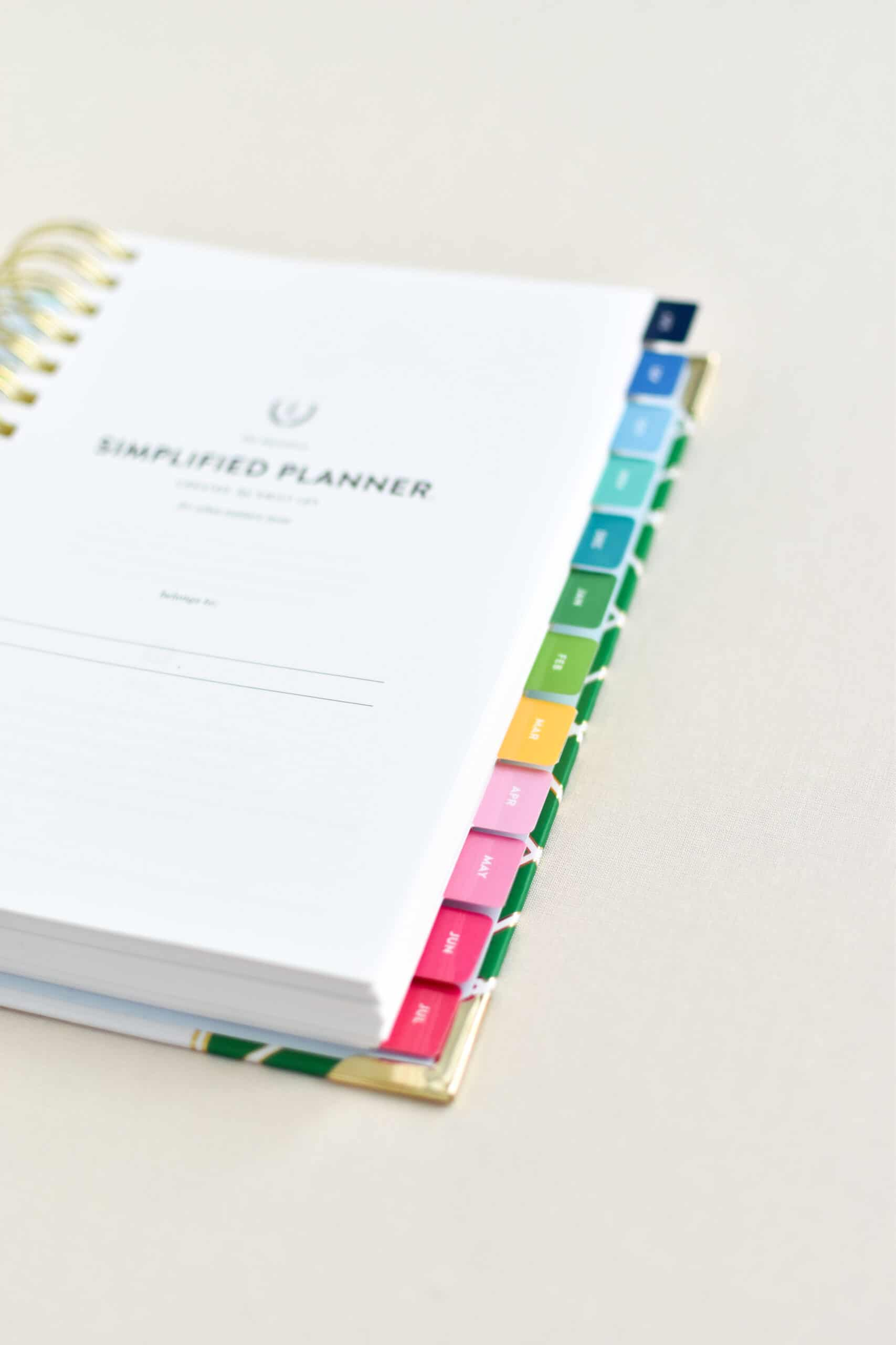 [Updated for 2021-2022]: Daily Simplified Planner Review: Clean and Colorful Planning to Simplify Your Home, Life and Mind